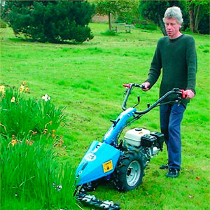 Power Scythes and Wheeled Trimmers